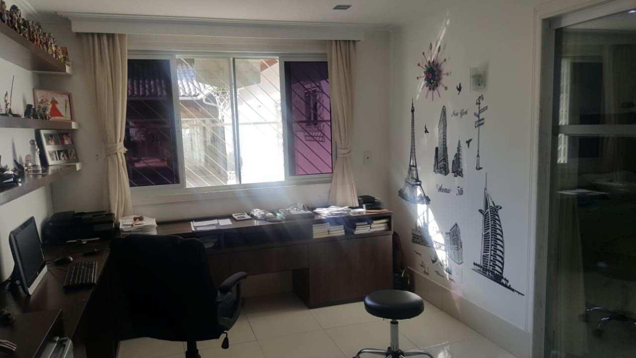 Casa Rua Mário Olinto,Jacarepaguá,Rio de Janeiro,RJ À Venda,4 Quartos,500m² - 250 - 84