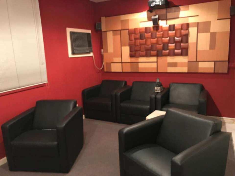 sala de cinema - VENDA CASA SUPER LUXO 4 QTOS, PISCINA E CHURRASQUEIRA RAMOS - 179 - 13