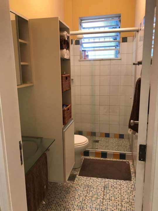 banheiro 1º andar - VENDA CASA SUPER LUXO 4 QTOS, PISCINA E CHURRASQUEIRA RAMOS - 179 - 16